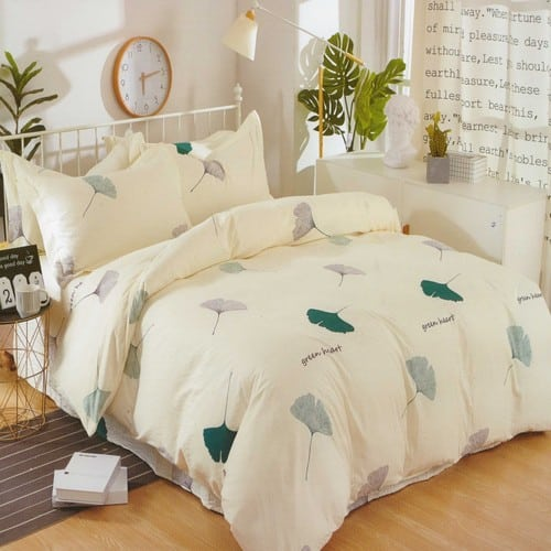 krepp ágynemű krém alapon zöld levelekkel