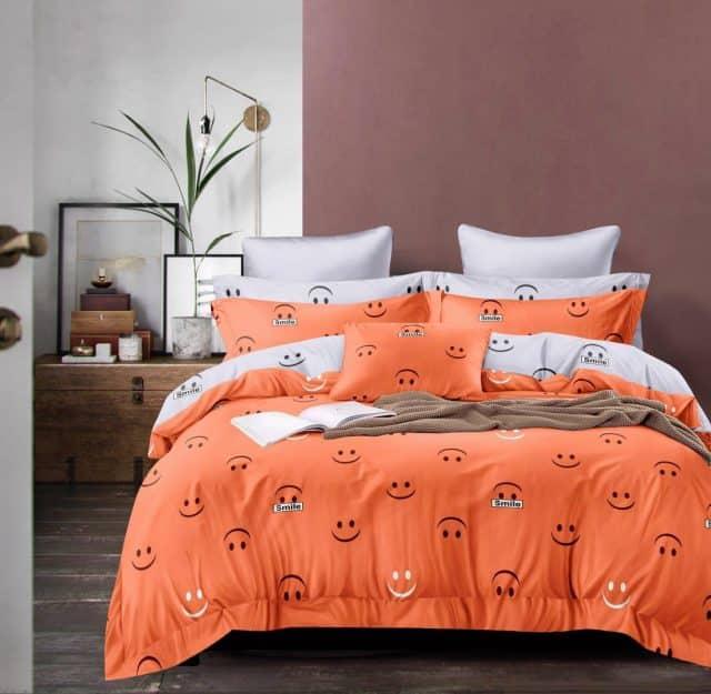 narancs fehér színben smile mintás ágyneműhuzat