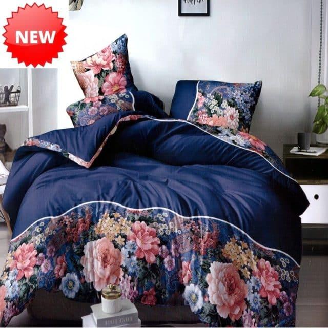 kék színben színes virágokkal pamut ágynemű