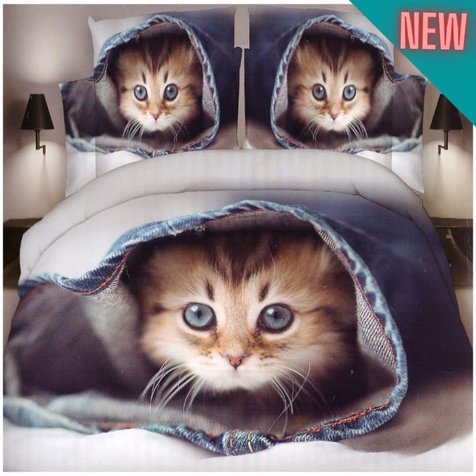 kismacska a takaró alatt ágyneműhuzat