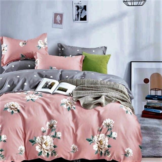 mályva alapon virágokkal pamut ágynemű