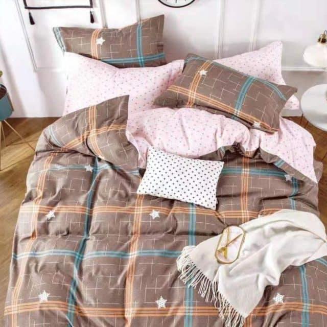 rózsaszín és barna négyzetes pamut ágynemű
