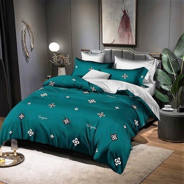 világos és zöld virágokkal ágyneműhuzat
