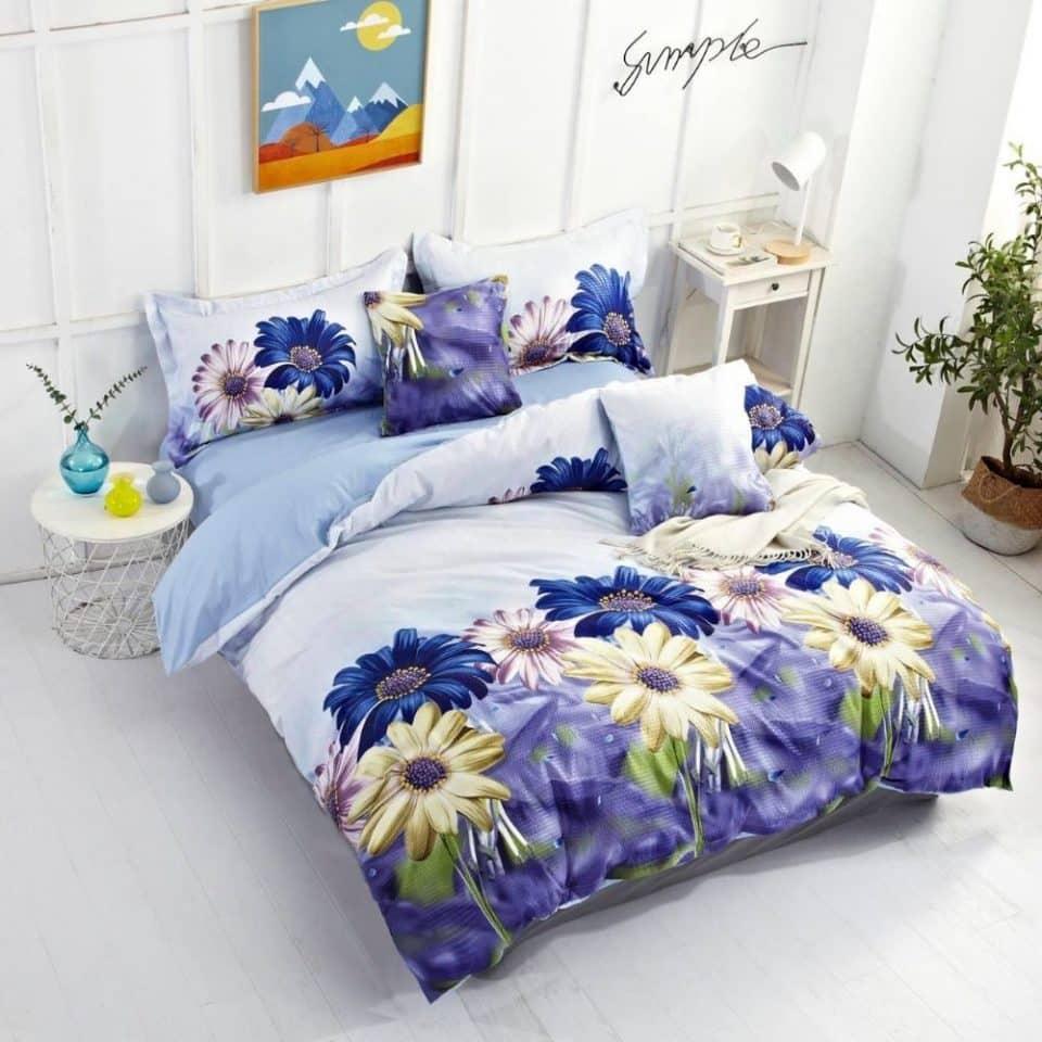 Krepp ágyneműhuzat nagy virágokkal levendula szín