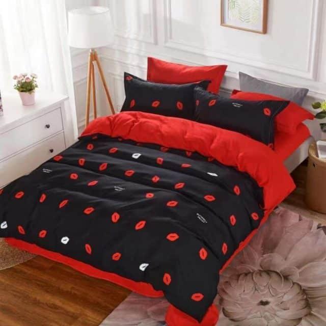 fekete piros pamut ágynemű csók mintával