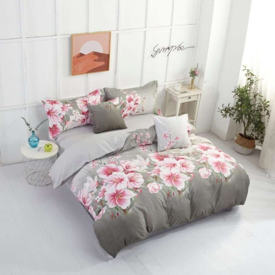 krepp ágyneműhuzat szürke színben rózsaszín virágokkal